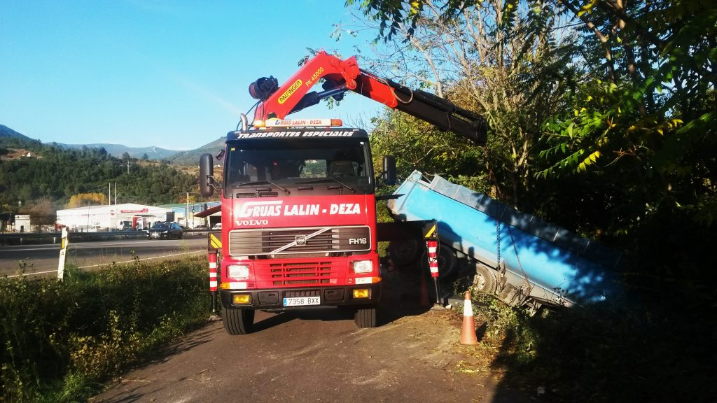 grua-para-retirar-el-camion