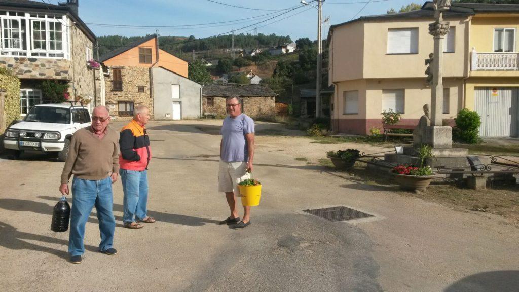 Vecinos del barrio de A Rodeleira