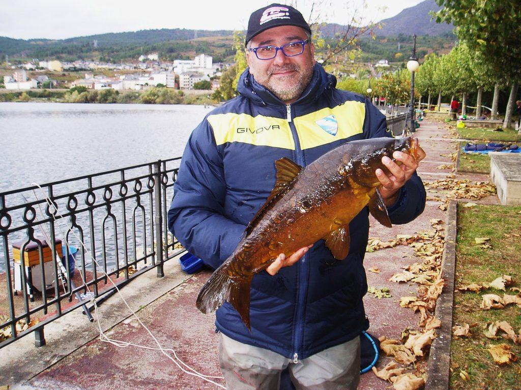 López Menduiña, de A Coruña, capturó esta carpa