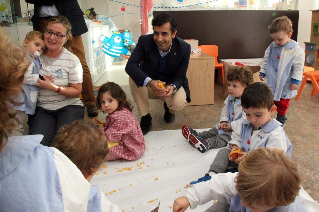 José Manuel Rey Varela, asisttiu á presentación da aplicación Tokapp School que se vai por en marcha nas escolas infantís da Rede Galiña Azul.