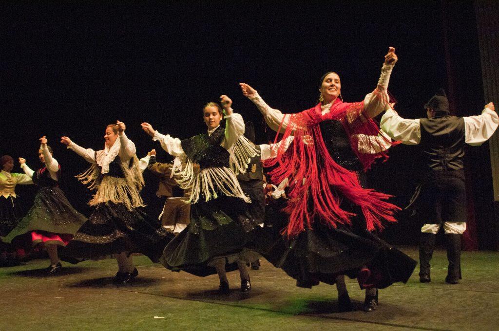 Actuación da Escola de Danza