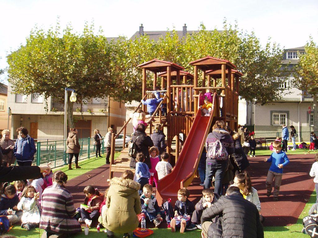 El parque, lleno de niños