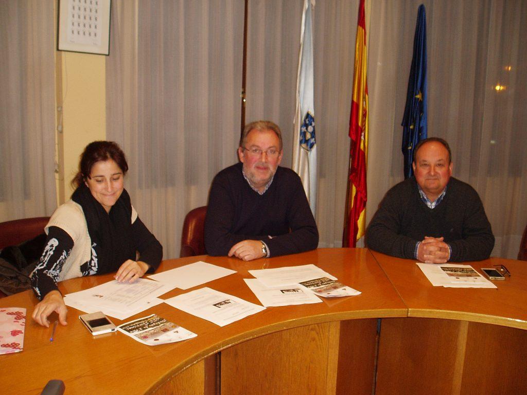 Luis Fernández Gudiña (en el centro), Joaquín Sánchez y Soledad Figueroa