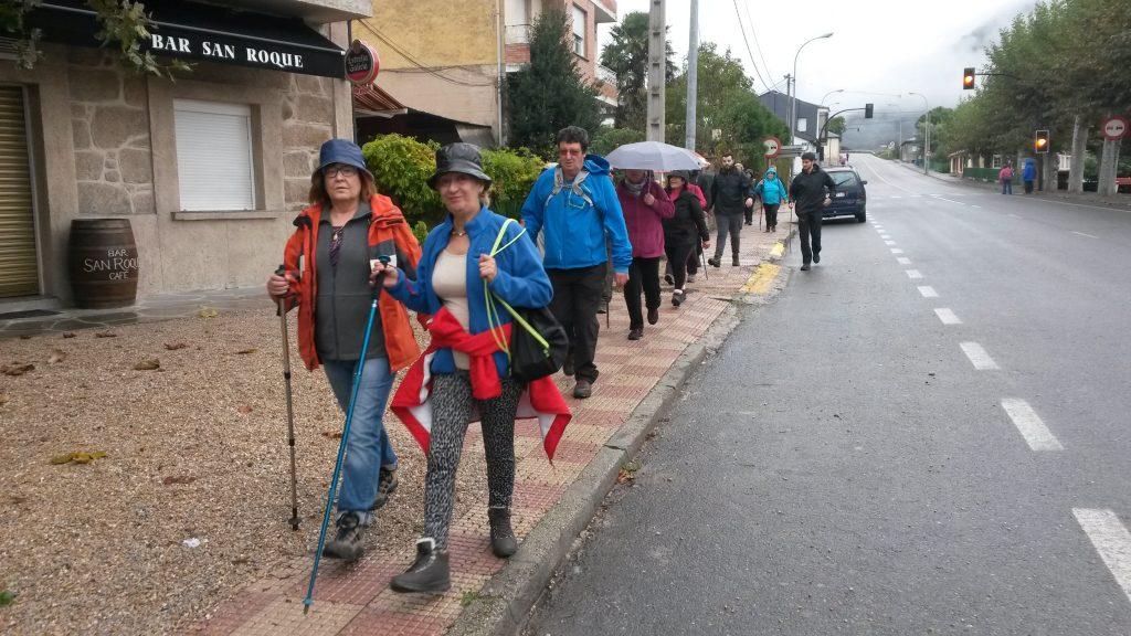 Otro grupo, al paso por A Rúa