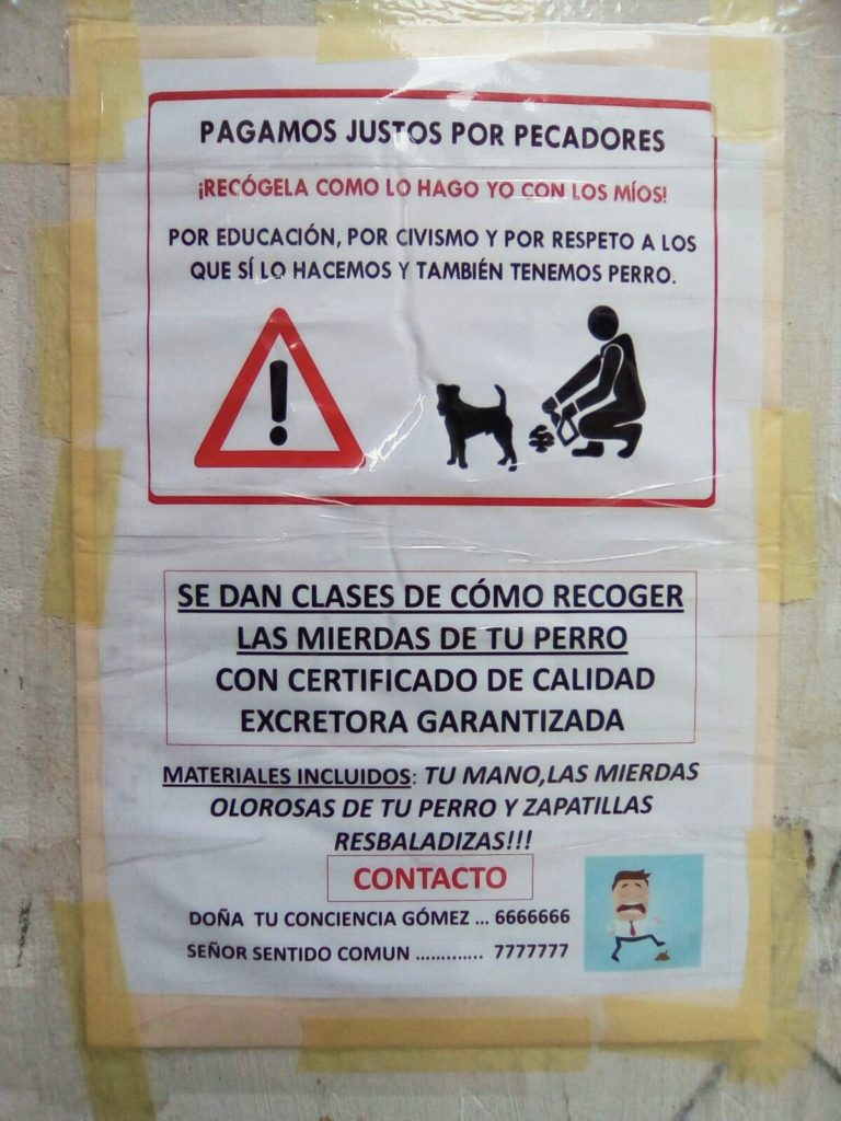 Cartel estampado en una calle de O Barco