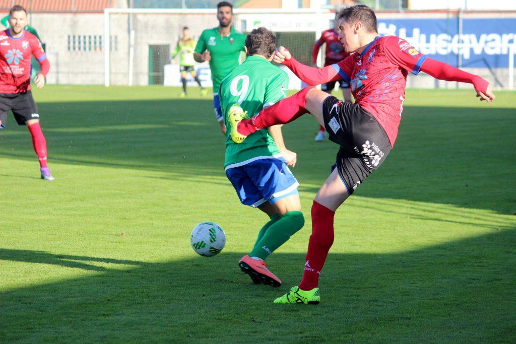 Cristóbal Juncal volvió a estar activo en ataque y tuvo ocasiones de gol